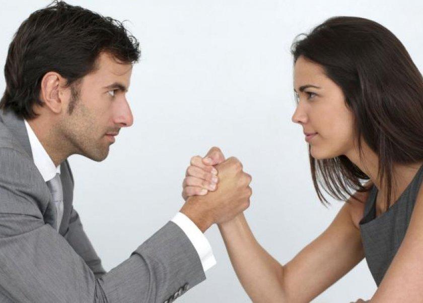 دراسة تؤكد أن النساء أكثر ذكاء من الرجال