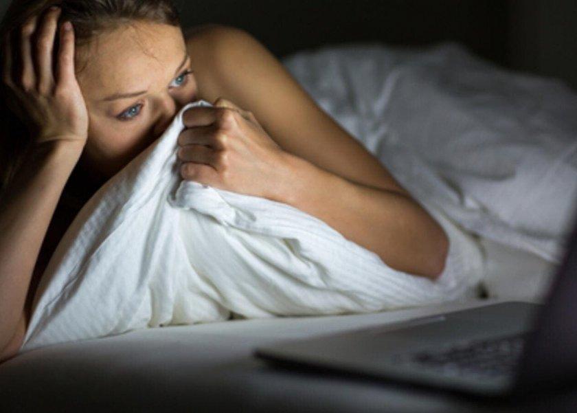 أضرار البكاء قبل النوم