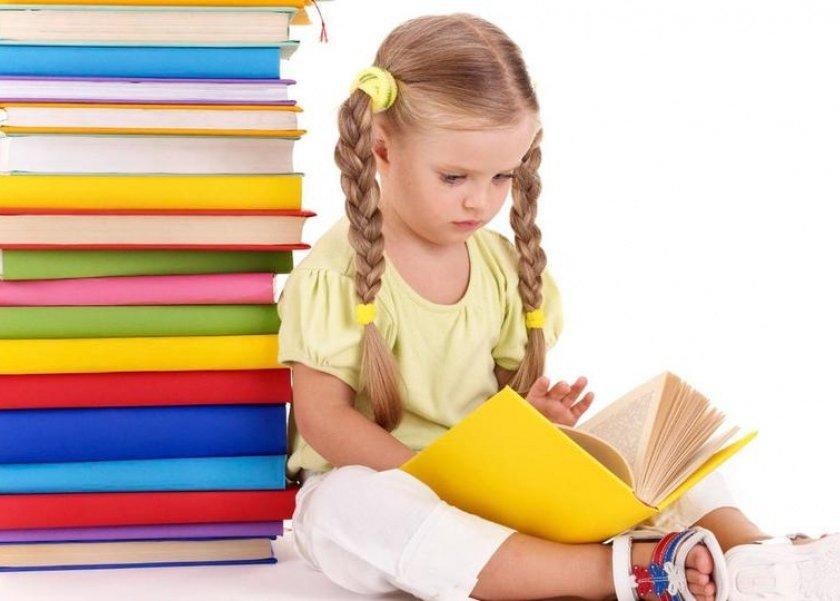 9 نصائح لتشجيع طفلك على القراءة.. منها قراءة قصص كل يوم