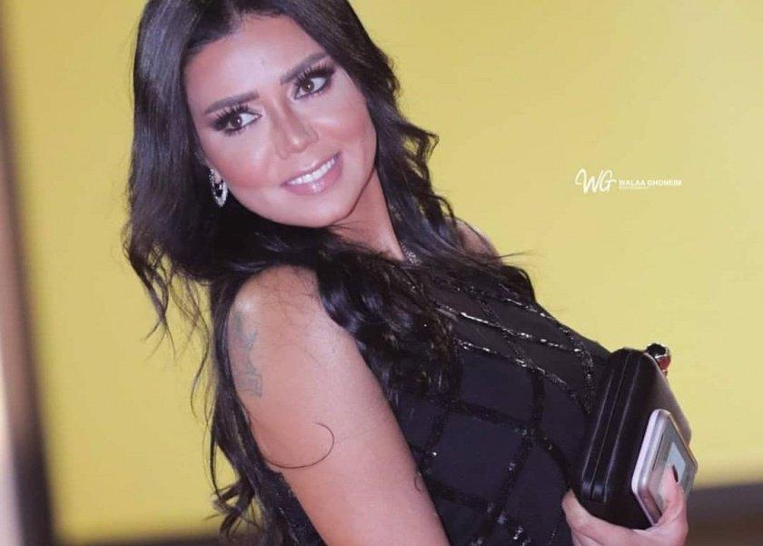 فستان رانيا يوسف من