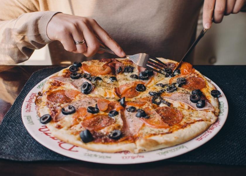 دراسة: البيتزا تساعد في التخلص من الوزن الزائد
