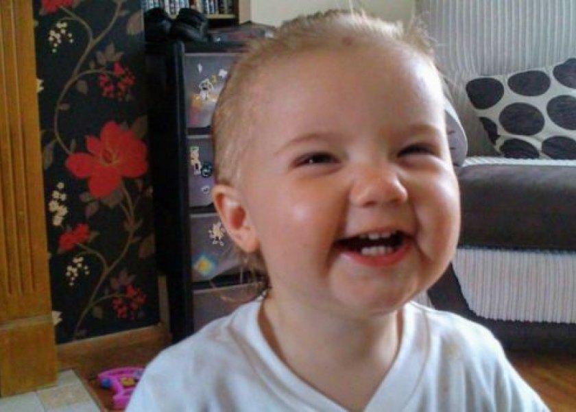 أم بريطانية تتوسل للص لإعادة خصلة شعر ابنتها