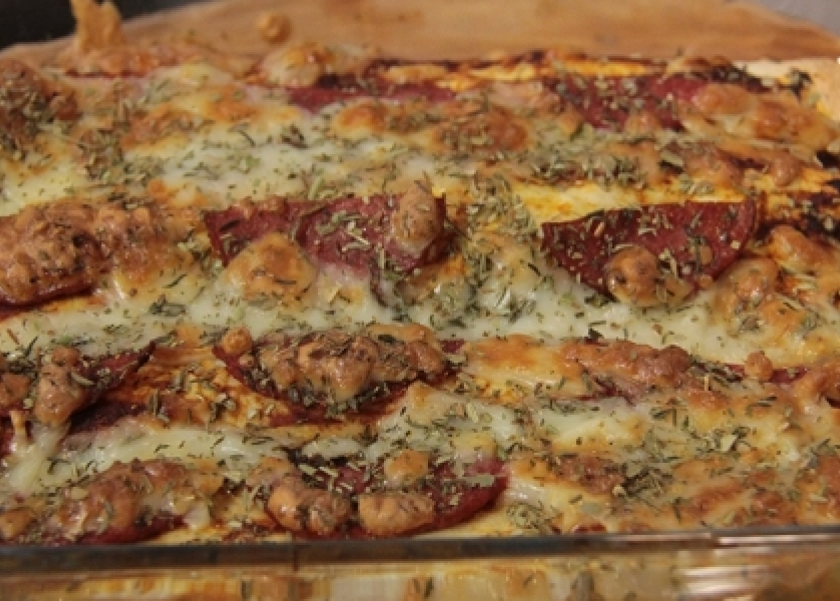 تورتيلا بحشو البيتزا