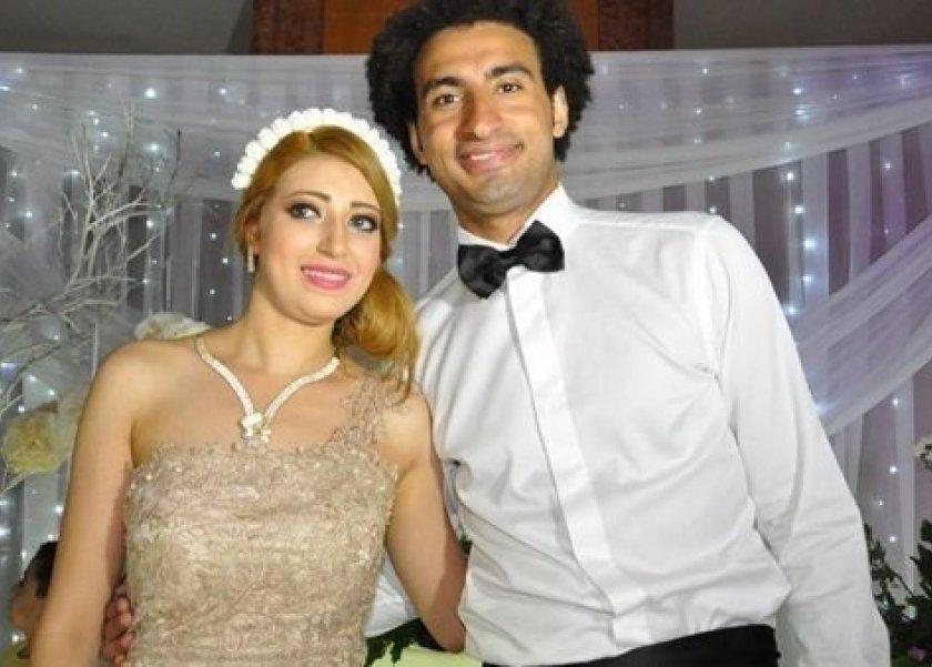 علي ربيع يتجاهل زوجته وينشر رسالة من أحد معجباته: