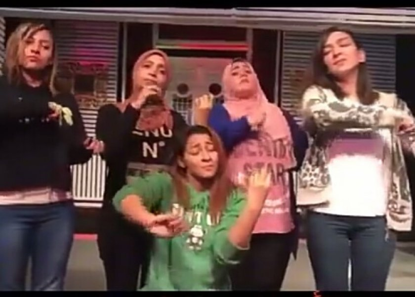 هن بالفيديو أغنية سلم على الشهداء اللي معاك بلغة الإشارة