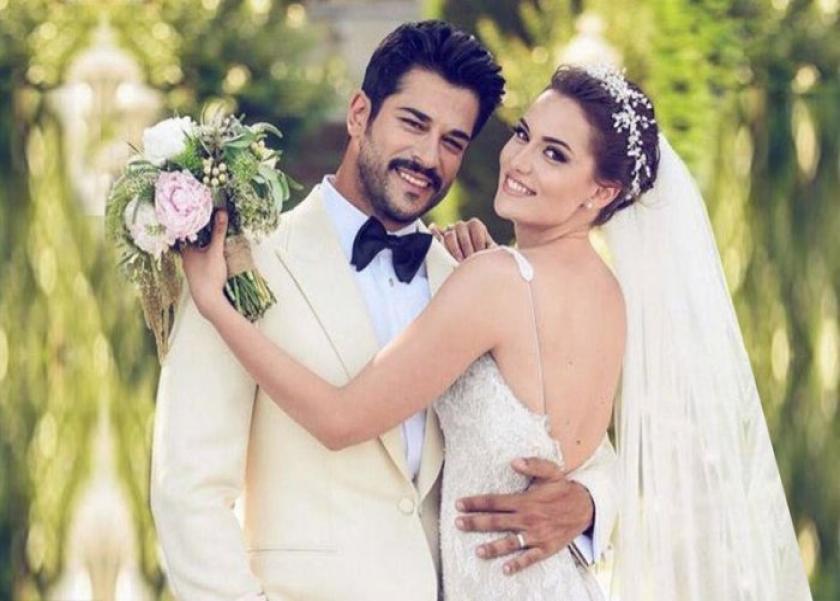 الممثل التركي بوراك أوزجيفيت وزوجته