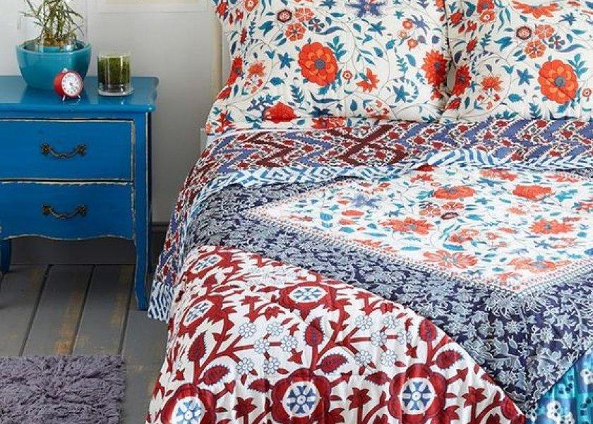 ملايات سرير بنقوش الورد