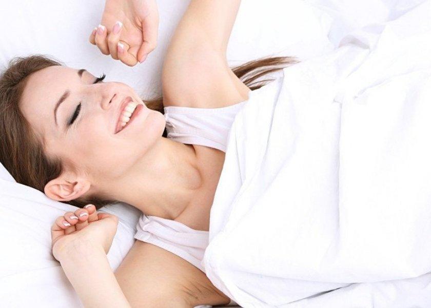 النساء اللواتي يستيقظن في الصباح الباكر أقل عرضة للإصابة بسرطان الثدي