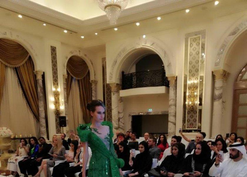 """المنصوري: تعرض 20 فستان في """"تيفاني فاشون ويك"""""""