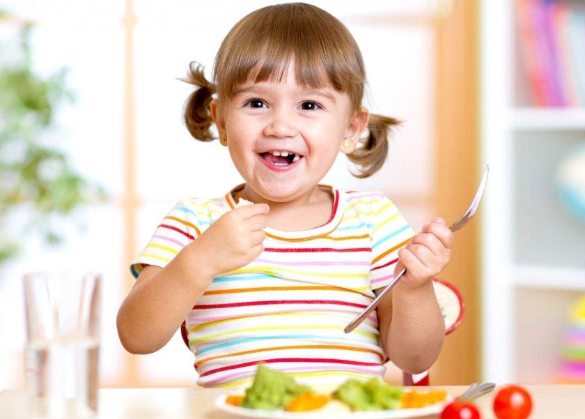 دراسة حديثة تربط بين سعادة الأطفال وتناولهم أطعمة صحية