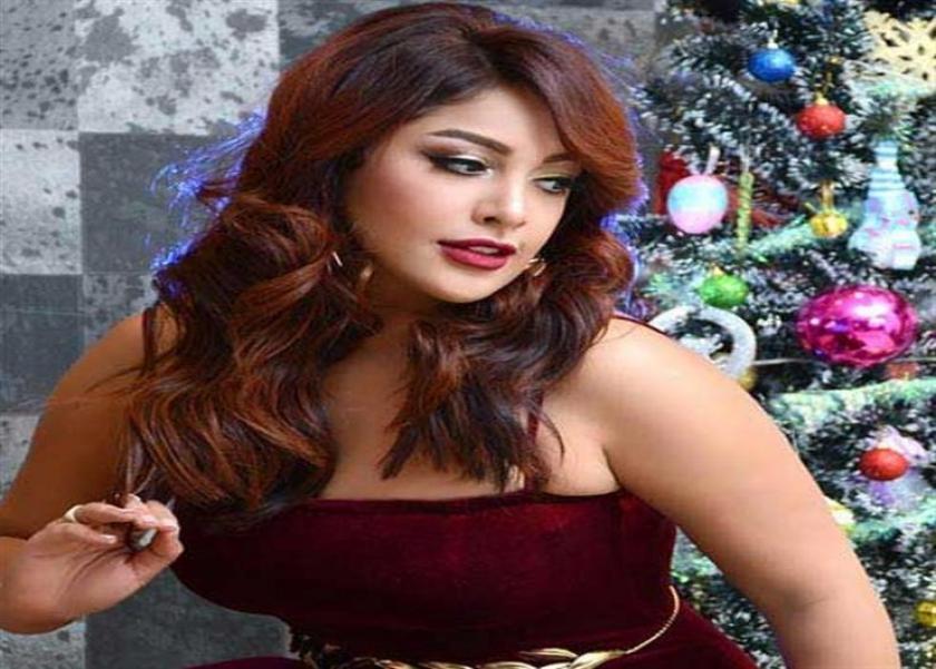 نرمين ماهر تحتفل بعيد ميلادها بصحبة زوجها واصدقائها