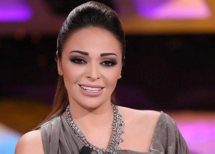 الفنانة داليا البحيري تشارك في أول معرض للزفاف