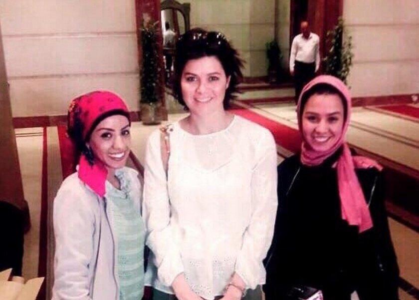 هبة وشقيقتها غادة مع يسرا اللوزي