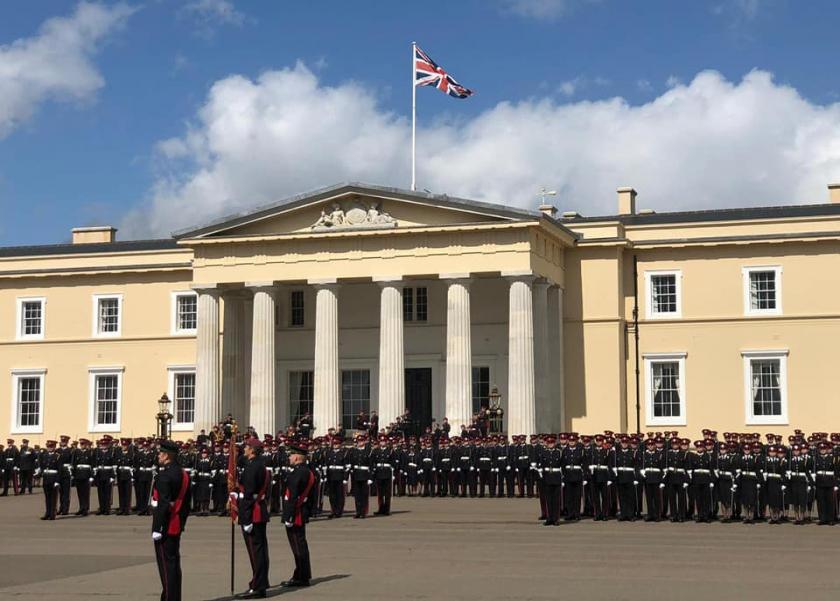 أول فتاة تتخرج في الأكاديمية العسكرية الملكية في لندن