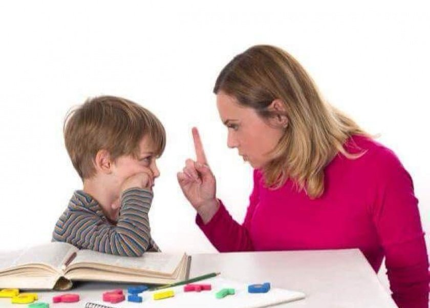 10 قواعد يجب أن تتبعها الأم مع أطفالها في فترة الامتحانات