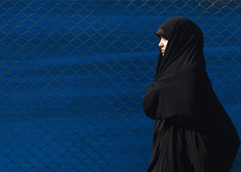 إيران تعتقل عارضات أزياء على الإنترنت