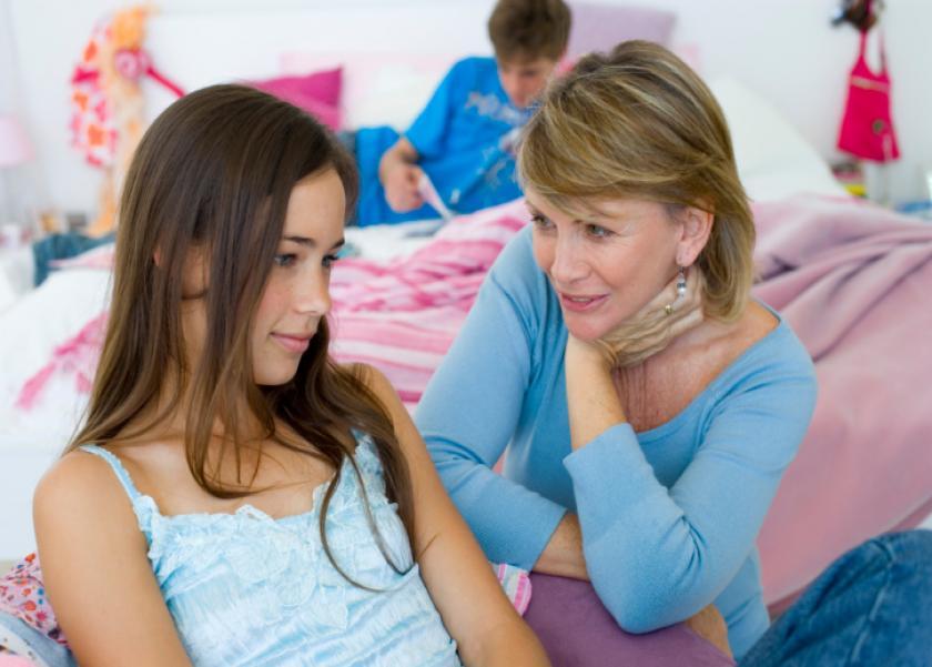 أستشاري نفسي توضح أهمية مرحلة البلوغ عند أولادها وكيفة تخطيها في أمان