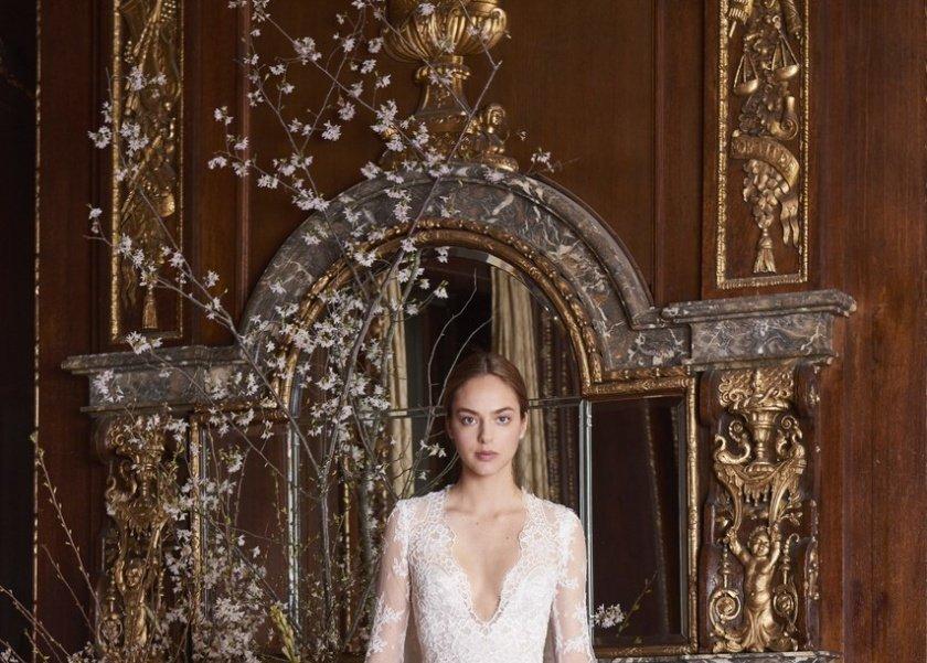 404e87eb01cc9 فستان زفاف ملكي