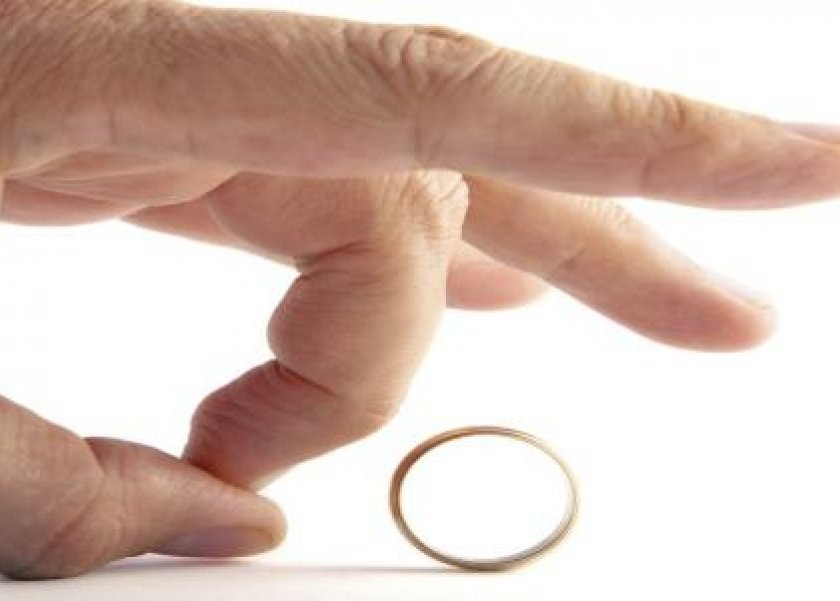هل يجوز وجود صداقة بين الزوج والزوجة بعد الطلاق..