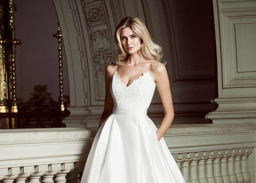 c653902c4 هن   بالصور  كارولين كاستيجليانو تطلق فساتين زفاف كلاسيكية لعروس 2018