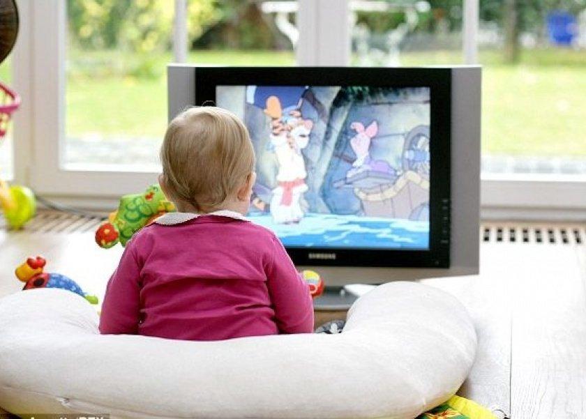 خطورة البرامج التليفزيونية على الطفل