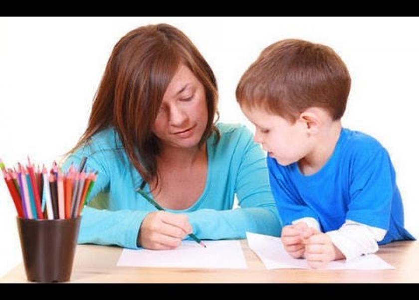 .6 أخطاء على الاباء تجنبها أثناء المذاكرة مع أطفالهم