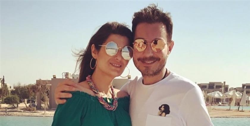 الفنان احمد زاهر وزوجته