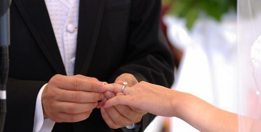 تعرض عروسان لحادث مروع في شهر العسل