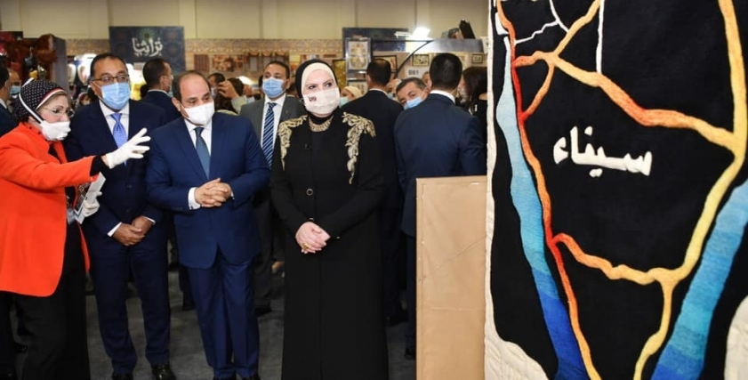 زيارة الرئيس لركن سيناء بمعرض تراثنا