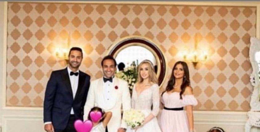 صورة عائلية لكريم فهمي وأحمد فهمي