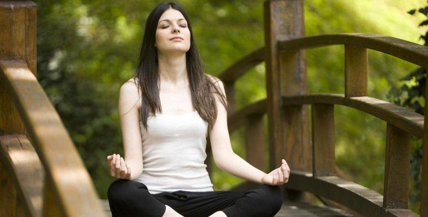 تمارين اليوجا للتخلص من آلام الرقبة
