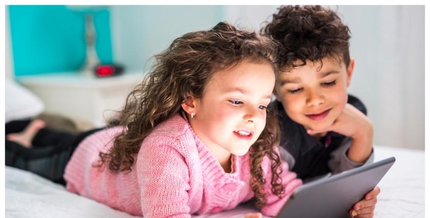 مخاطر استخدام مواقع التواصل الاجتماعي على الأطفال