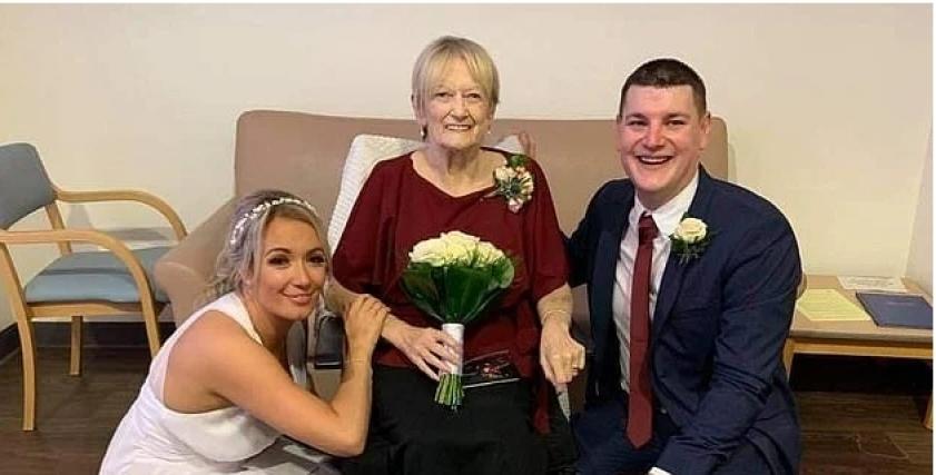 عروس تحتفل بزفافها في المستشفى