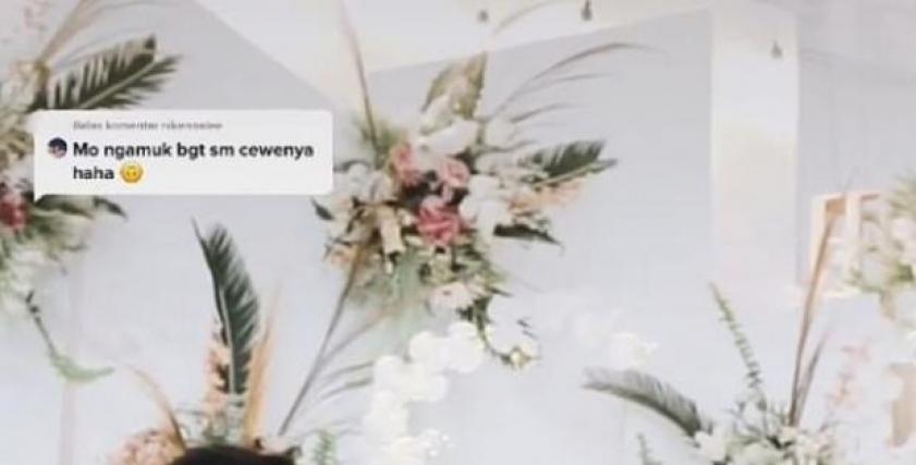 عروس ماليزية تحتضن حبيبها السابق أمام زوجها