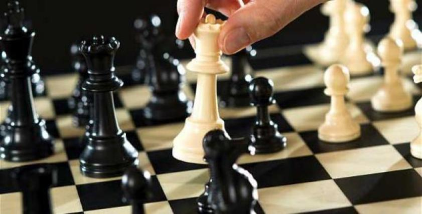 فتاة إيرانية تفوز بلقب بطولة العالم للشطرنج