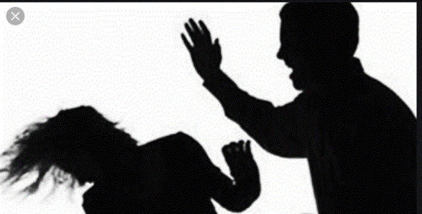 رجل عذب زوجته