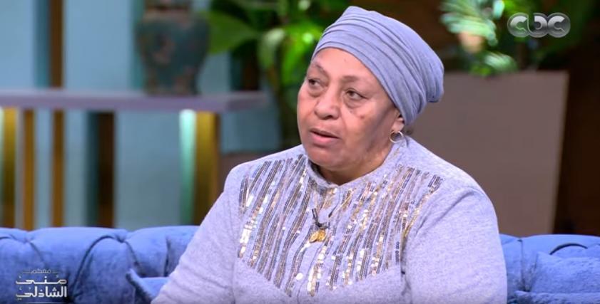 والدة حسين الشحات