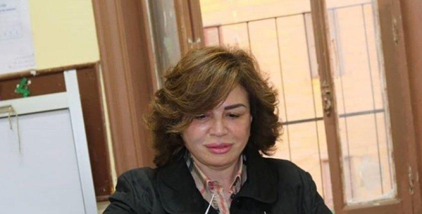 بالصور| إلهام شاهين تدلي بصوتها في الانتخابات الرئاسية