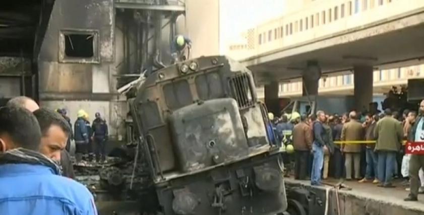 زوجة مصاب بحريق محطة مصر: عنده القلب ولسه خارج من عملية الغضروف