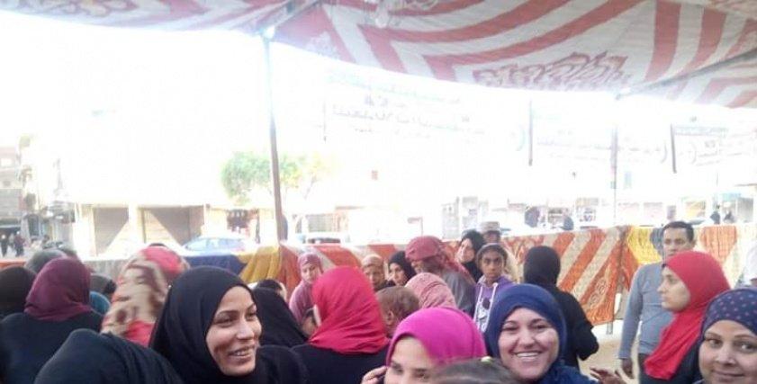 قومي المرأة بالإسماعيلية يحشد السيدات بالقري والنجوع للتصويت بالإستفتاء.
