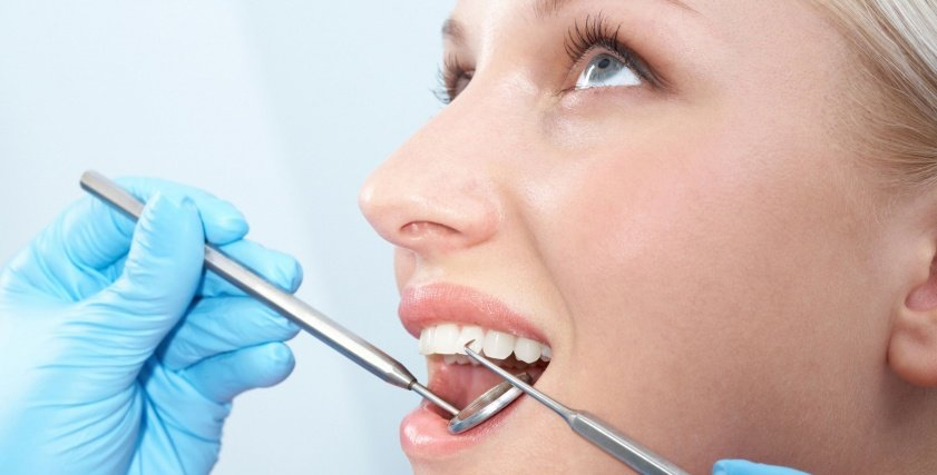 استشاري يوضح أبرز الأخطاء الصحية المدمرة للأسنان