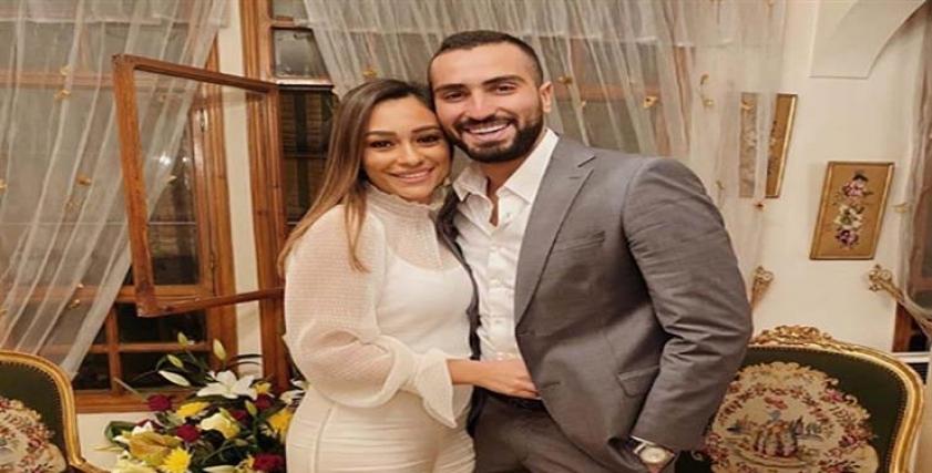 محمد الشرنوبي ينشر أول صور مع خطيبته راندا رياض بعد الخطوبة