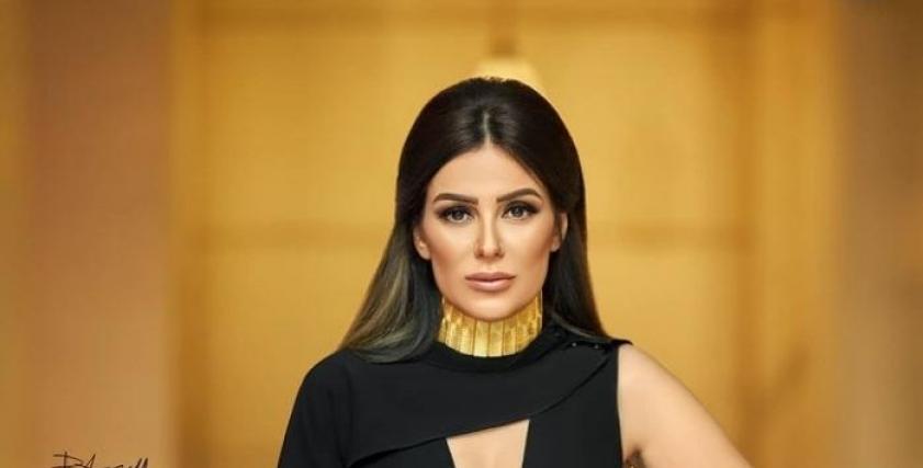 إنجي المقدم بفستان أسود وإطلالة فرعونية في أحدث جلسة تصوير