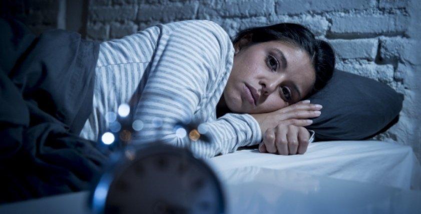 للحصول على بشرة تتمتع بالنضارة والحيوية..تعرف على القسط الكافٍ من النوم