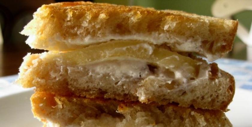 ساندوتش تأثير المش والعسل والمربى على الجسم