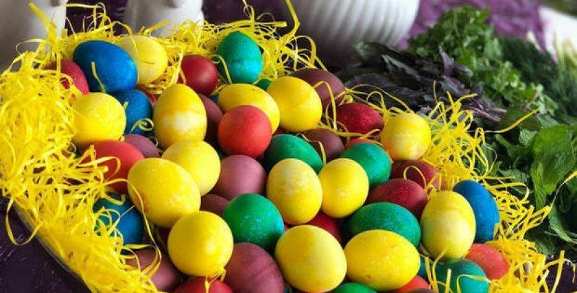 بمناسبة شم النسيم..طرق تلوين البيض بطريقة آمنة بالألوان الطبيعية