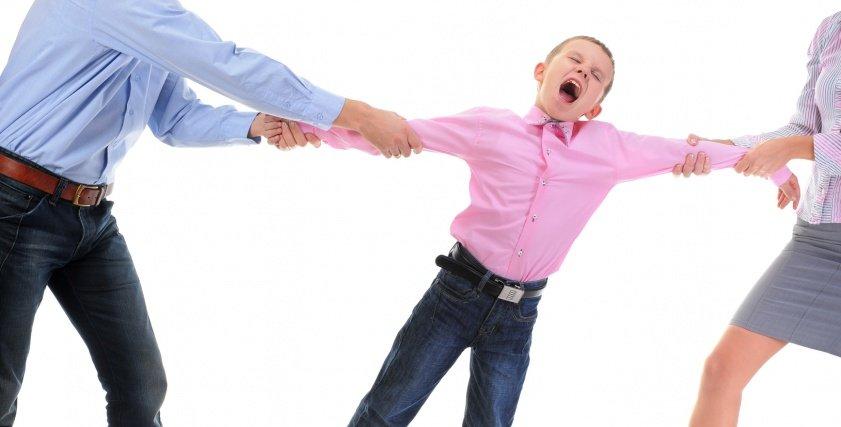 معاناة الأبناء مع انفصال الوالدين