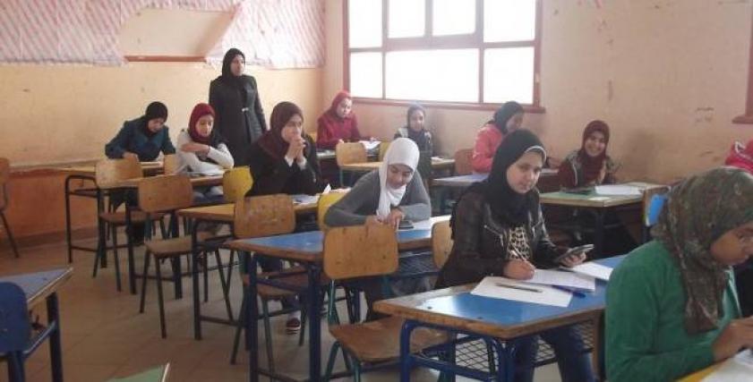 أولياء أمور وطلاب الصف الأول الثانوي عن امتحان الفلسفة اليوم: