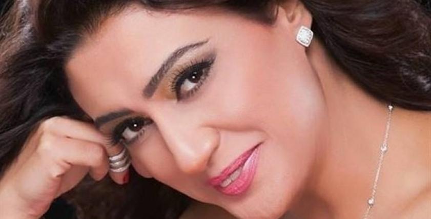 الفنانة وفاء صادق
