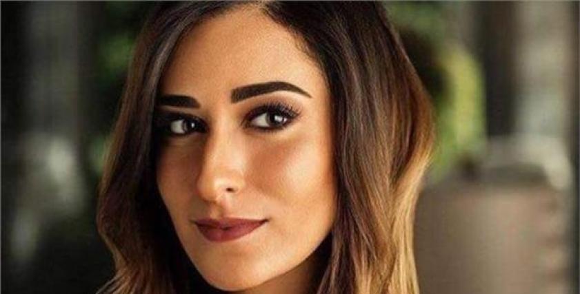 الفنانة أمينة خليل